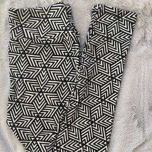 New LuLaRoe Leggings - OS Black White Geometric